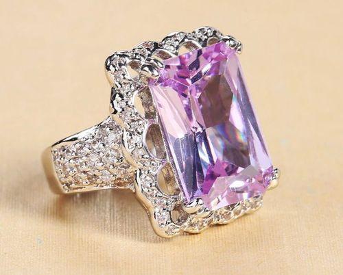 Фиолетовый топаз
