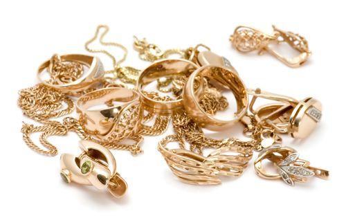 Ювелирный изделия с золотым напылением