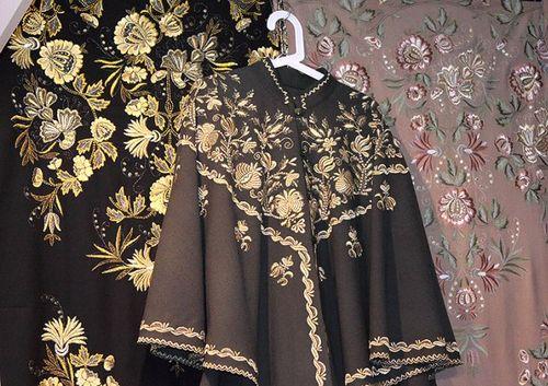 Золотая вышивка на одежде