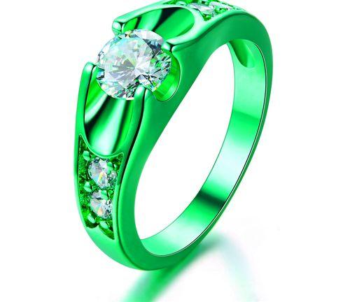 Кольцо из зеленого золота с камушком
